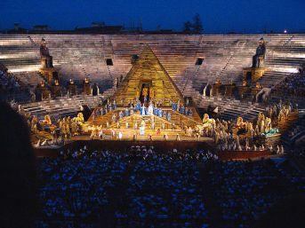 Arena_di_Verona_AIDA_von_Giuseppe_Verdi