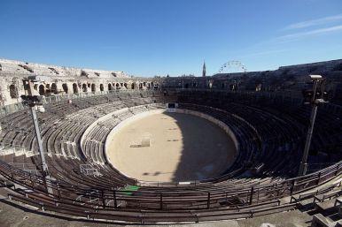 View_from_the_top_row_-_Àrenes_de_Nîmes_-_Nîmes_2014_(2)