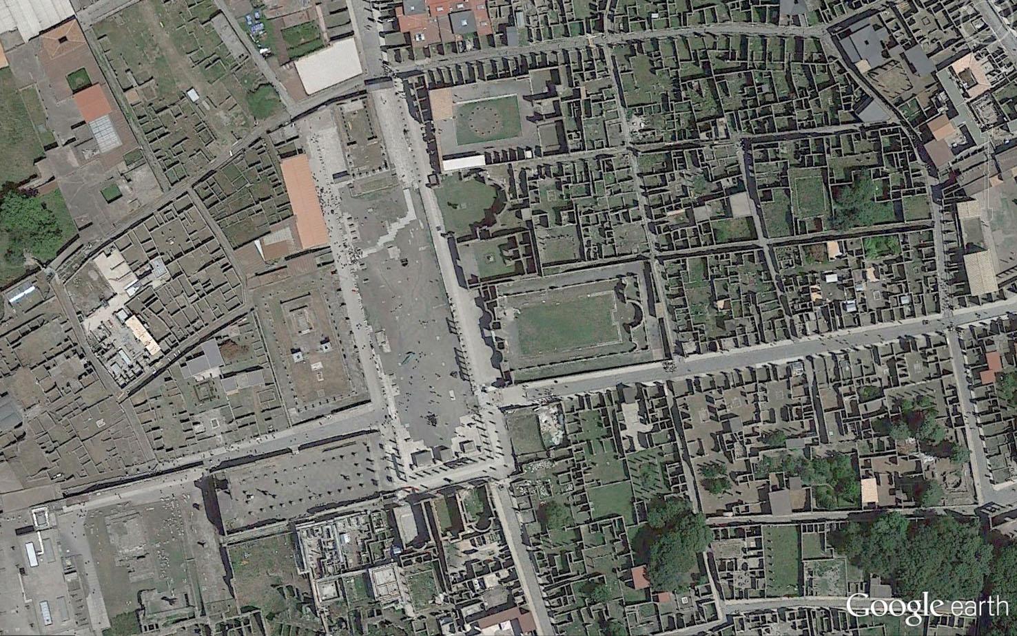 Pompeia forum.jpg